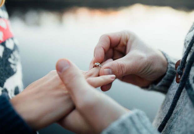 Фото №1 - Выиграй кольцо с бриллиантом! Для нее, не для себя