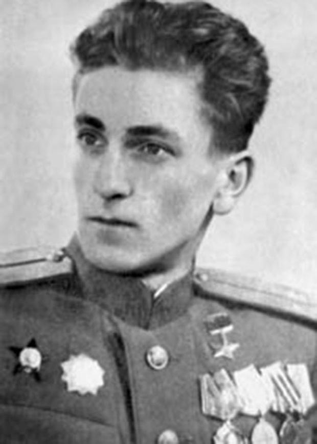 Герой Советского Союза М. В. Ашик