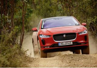 Jaguar I-Pace: Илон Маск, сдавайся!