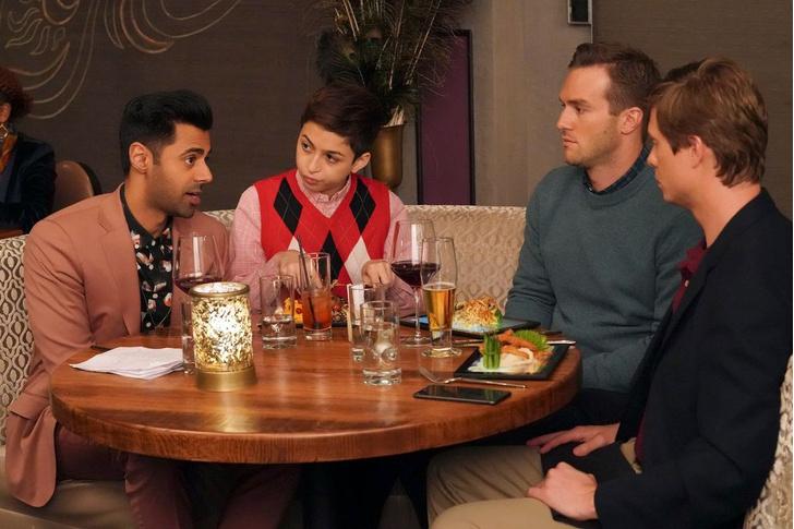 Фото №1 - Досуг белых людей: в ресторанах подают еду на iPad