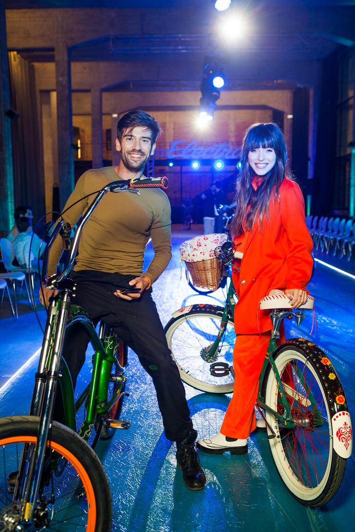 Фото №5 - Подиум для велосипедов: модный показ Electra по случаю 25-летия бренда