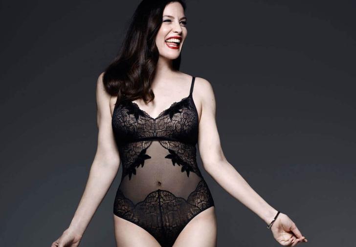 Фото №1 - Обольстительная Лив Тайлер снялась в рекламной кампании нижнего белья