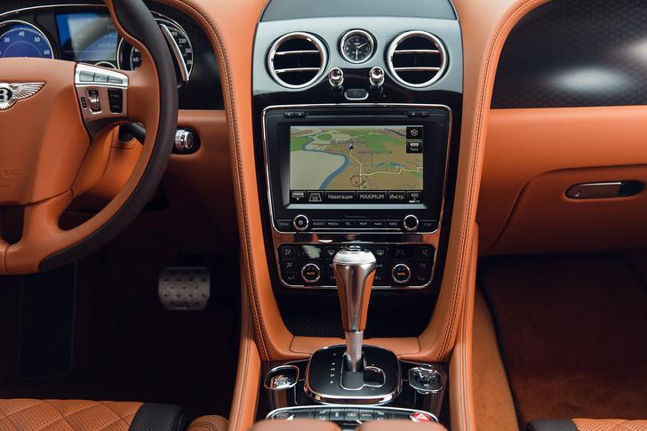 Фото №12 - Cамый быстрый четырехдверный Bentley в истории — Flying Spur W12 S