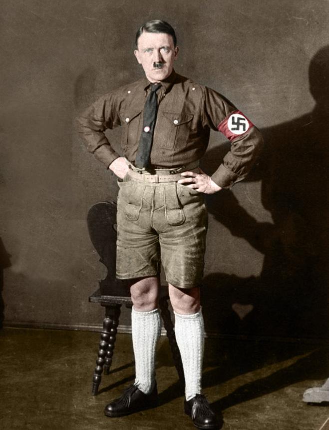 Адольф Гитлер в шортах, 1924 год