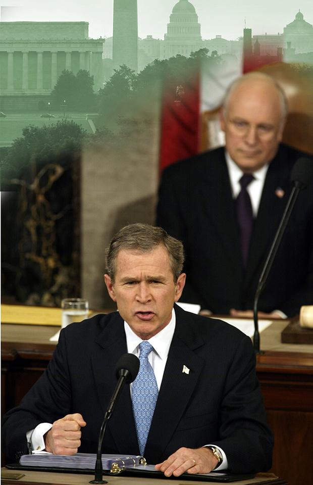 Чейни слушает речь Джорджа Буша-младшего, 2001 год