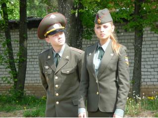 Упс! В «Инстаграме» Министерства обороны появилось фото с обнаженной девушкой!