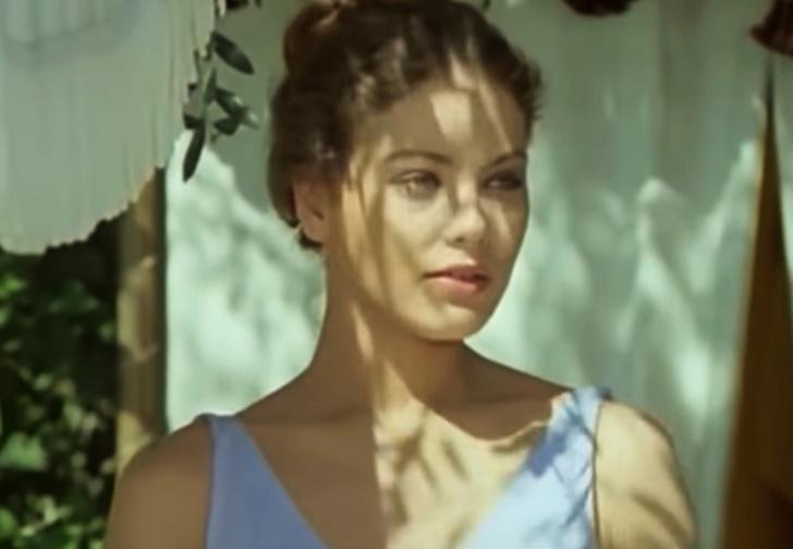 Фото №1 - Юная Орнелла Мути в короткометражке, номинированной на «Оскар» (видео прилагается)