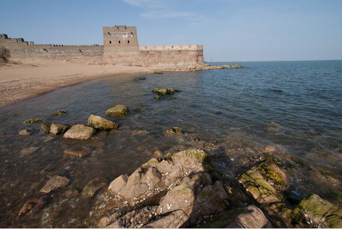 Место, где кончается Великая Китайская стена.
