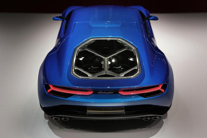 Фото №4 - Гибрид Минотавра. Lamborghini Asterion — мощный суперкар с древнегреческими корнями