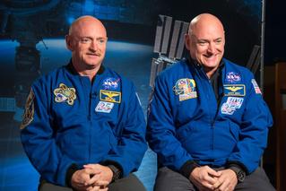 Один из братьев-близнецов слетал в космос. Теперь братья не близнецы
