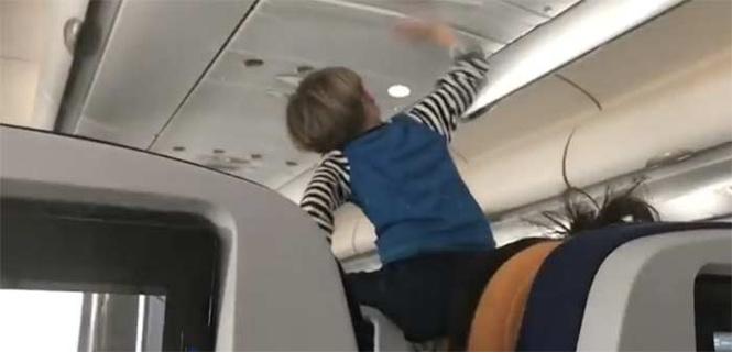 Во время трансатлантического перелета пассажиры 8 часов терпели орущего ребенка (ВИДЕО)