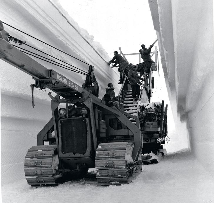 Фото №2 - Проект «Ледяной червь»: подледный город с 600 ядерными ракетами