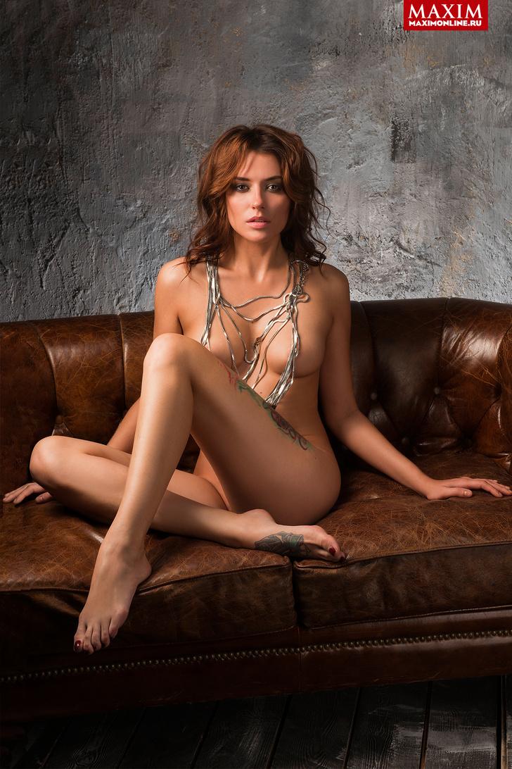 Фото №2 - Модель Кристина Нуар: «Заграничные заказчики предвзято относятся к татуировкам — недавно Милан отказал из-за тату»