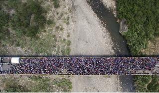 Как бегут граждане из родной Венесуэлы