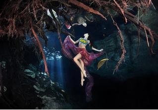 Потрясающие эротические фотографии под водой!