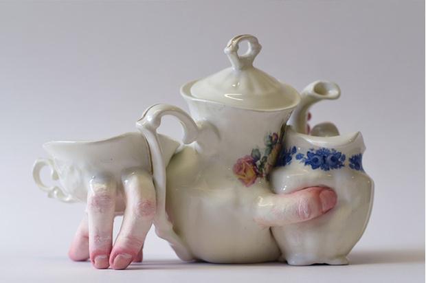 Фото №5 - Скульптор создает посуду, которая способна лишить аппетита. И сна!