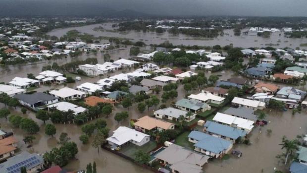 Фото №1 - Власти австралийского города Таунсвилл затопили его, чтобы спасти от наводнения