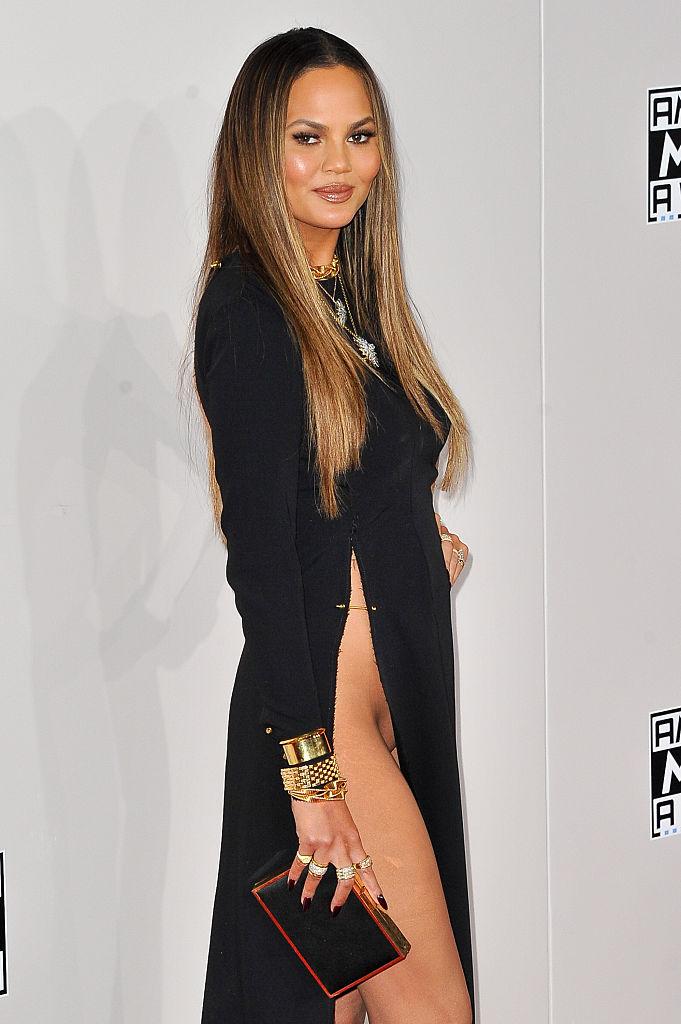 Фото №4 - Крисси Тейген в вагино-платье на церемонии American Music Awards
