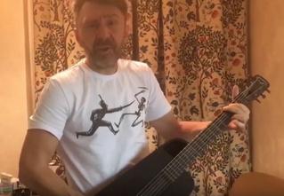 Новогодний клип «Ленинграда» «Начинаем отмечать!»