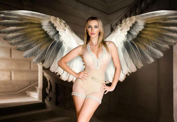 Фото №5 - Новая мисс СНГ, Галь Гадот, Анджелина Джоли и другие самые сексуальные девушки этой недели