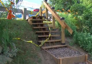 Канадец построил в парке лесенку в 120 раз дешевле государственной