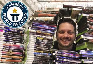 Владелец самой большой коллекции компьютерных игр проводит экскурсию (видео)