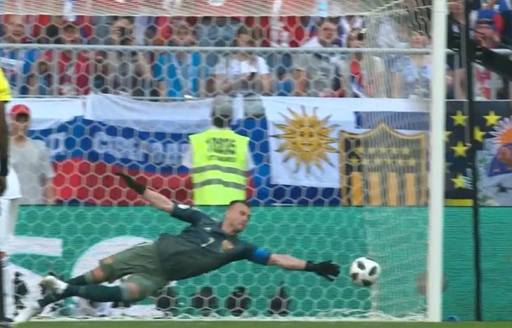 Фото №1 - Нашим было выгодно проиграть? Три причины, почему Уругвай разгромил Россию