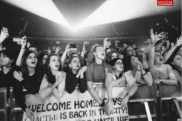 Фото №6 - Hurts: что творилось на концерте, собравшем всех девочек Москвы