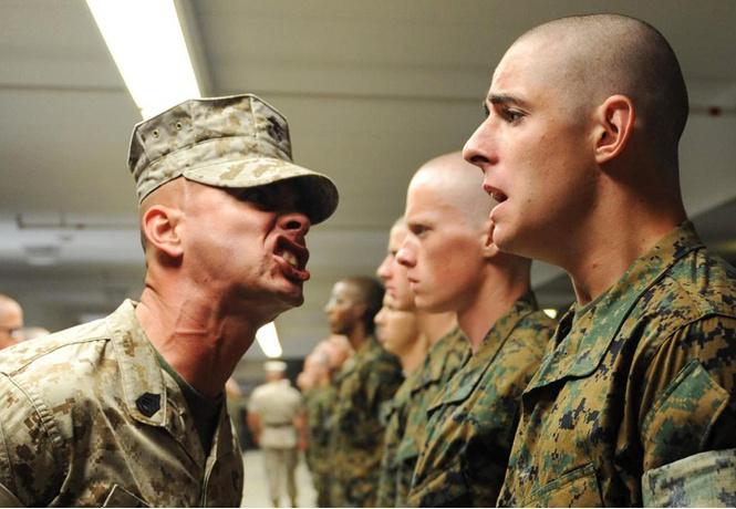 Пусть сильнее грянет буллинг! Почему мужчинам так нравится издеваться друг над другом