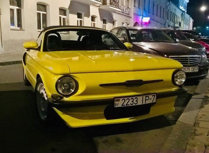 Фото №1 - Кастомайзер из Белоруссии «скрестил» Porsche и «Запорожец» (видео)