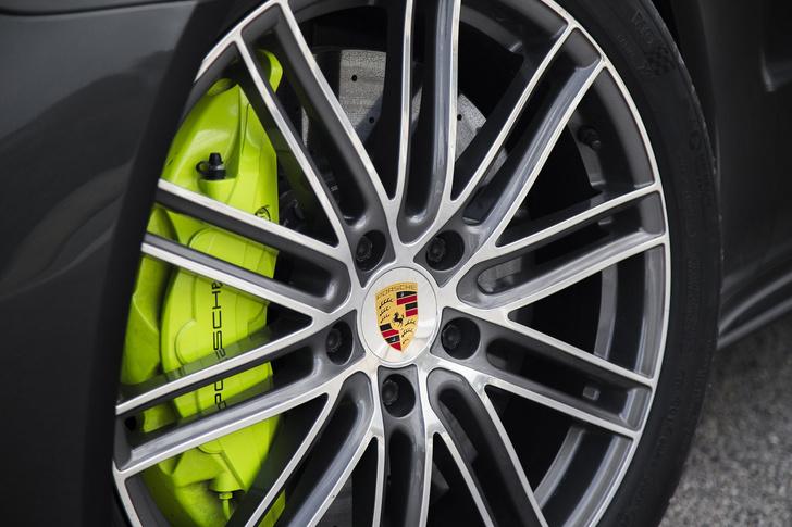 Фото №11 - Самый крутой гибрид в мире: Porsche Panamera Turbo S E-Hybrid