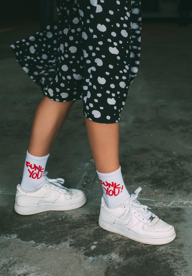 Фото №7 - Питерский бренд St. Friday Socks выпустил «уличные» носки с граффити