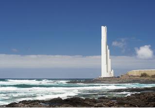 Из всех маяков мира этот интересен тем, что делает вид, будто он и не маяк вовсе