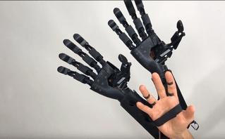 Разработан кибернетический протез двух рук вместо одной
