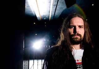 Андреас Киссер из Sepultura: «Едешь на транссибирском поезде куда-то в зауральскую глушь, а там тебя ждут фанаты, которые сходят с ума от металла!»