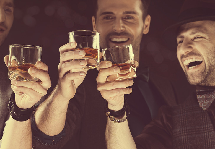 Фото №1 - Рецепт идеальной мужской вечеринки, которая останется в памяти навсегда