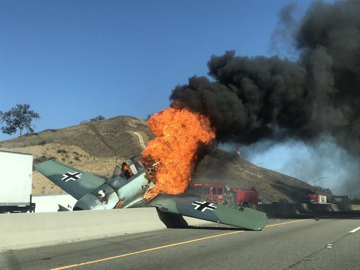 Фото №1 - На калифорнийское шоссе упал истребитель Luftwaffe