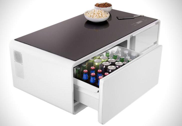 Фото №1 - Стол-холодильник Sobro, рогатка MoreFarther Superpower и другие мужские гаджеты месяца
