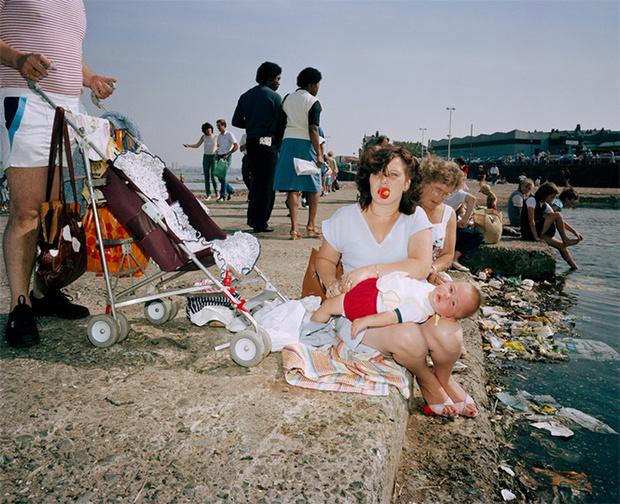 Фото №2 - Обычный туристический ад: фотографии английского курорта в 80-е
