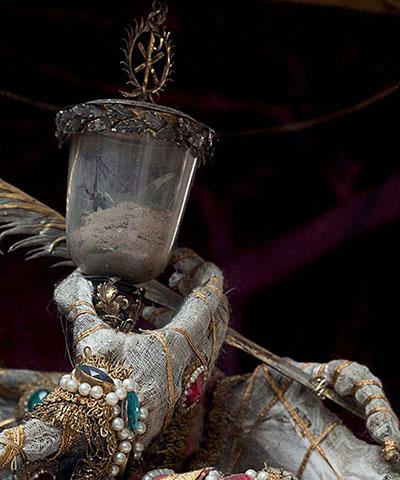 Фото №1 - Жертвы требуют красоты! Прекрасная в своей дикости коллекция нарядных скелетов