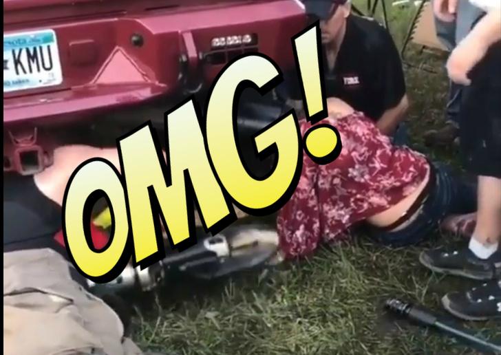 Фото №1 - Слишком любознательная девица застряла головой... в выхлопной трубе автомобиля! (непроходимое ВИДЕО)