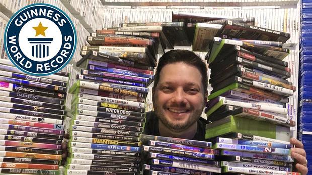 Фото №1 - Владелец самой большой коллекции компьютерных игр проводит экскурсию (видео)