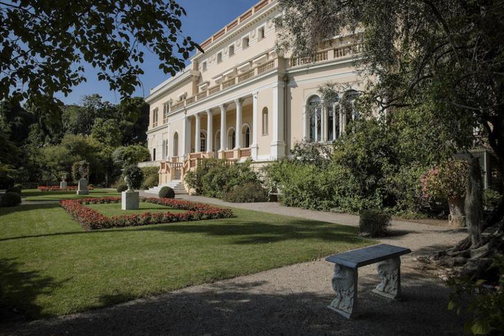 Фото №1 - Вот как выглядит самый дорогой дом в мире! И, кстати, он продается!