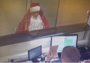 Житель Ижевска нарядился Дедом Морозом, чтобы улететь в Грузию по чужим документам
