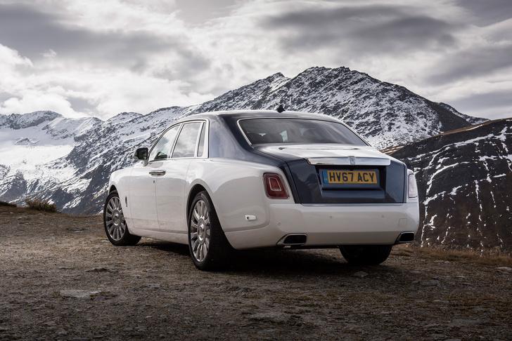 Фото №10 - Мы поездили на новом Rolls-Royce Phantom за тебя. То есть, конечно, для тебя!