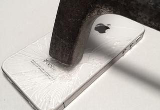 У Apple впервые с 2003 года упали продажи