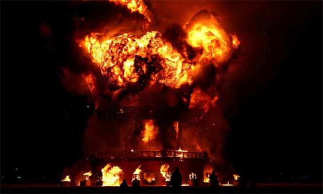 На фестивале Burning Man и в самом деле сгорел человек