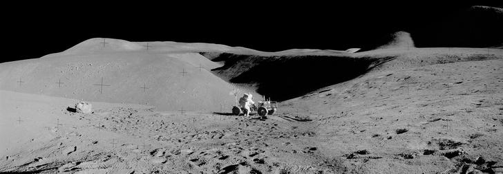 Фото №3 - NASA показало ранее не опубликованные панорамы, снятые во время высадки на Луну (фото)