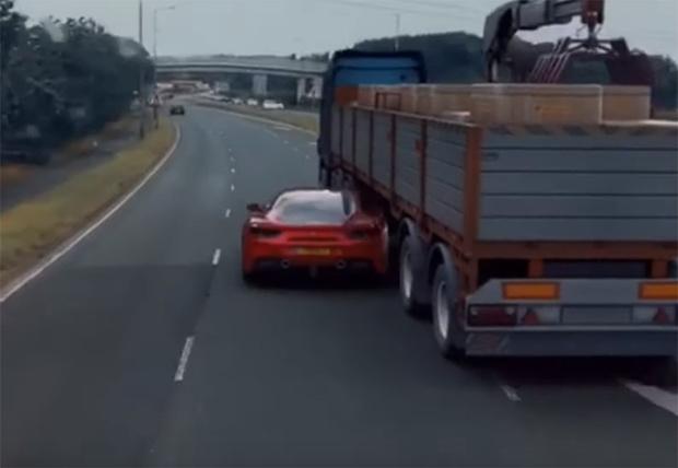 Фото №1 - Вирусное видео с проездом «Феррари» под грузовиком (как в «Форсаже») оказалось фейком