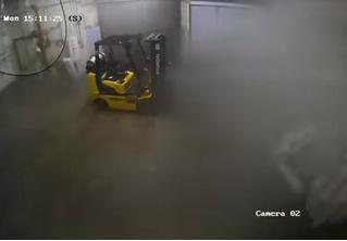 Видео, на котором торнадо уносит дом из бетона и стали, как будто он из картона!